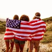 8_USA_Flag_Beach_2.jpg
