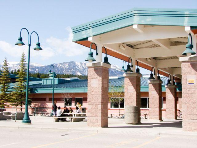 David Thompson Secondary School Select.jpg
