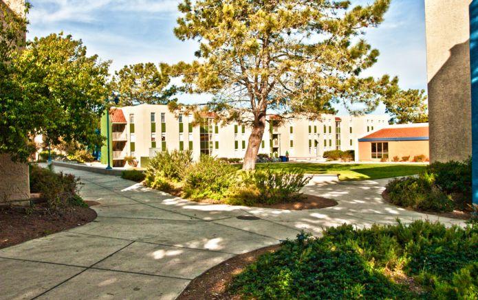 School_Monterey_USA_bb3eb9b547_o.jpg