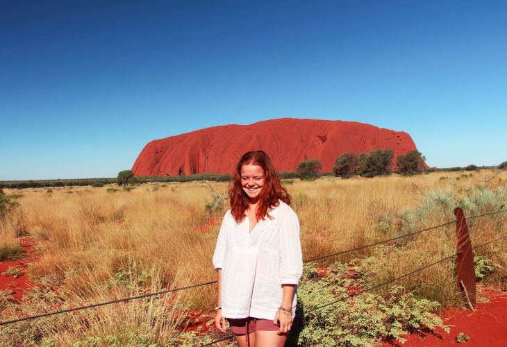 2-Julia-Australia-Ayers-Rock_8604.jpg