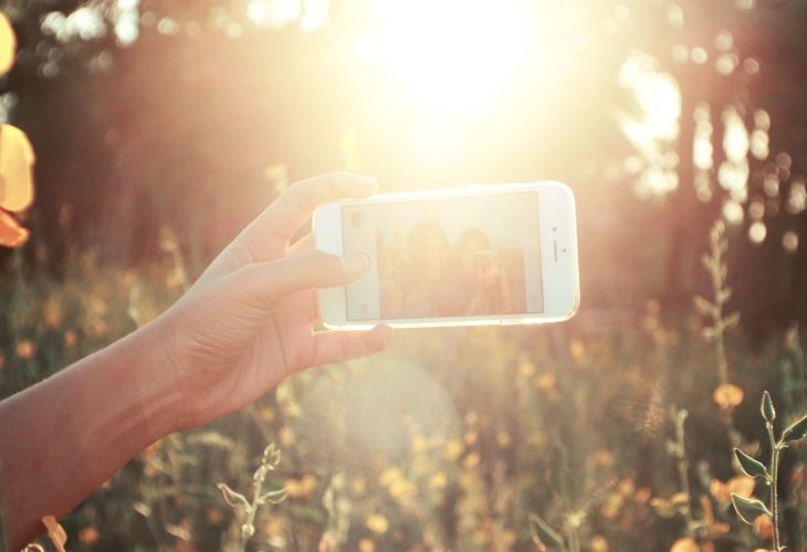 8-Selfie-pexels-Sunset-Phone-24087.jpg