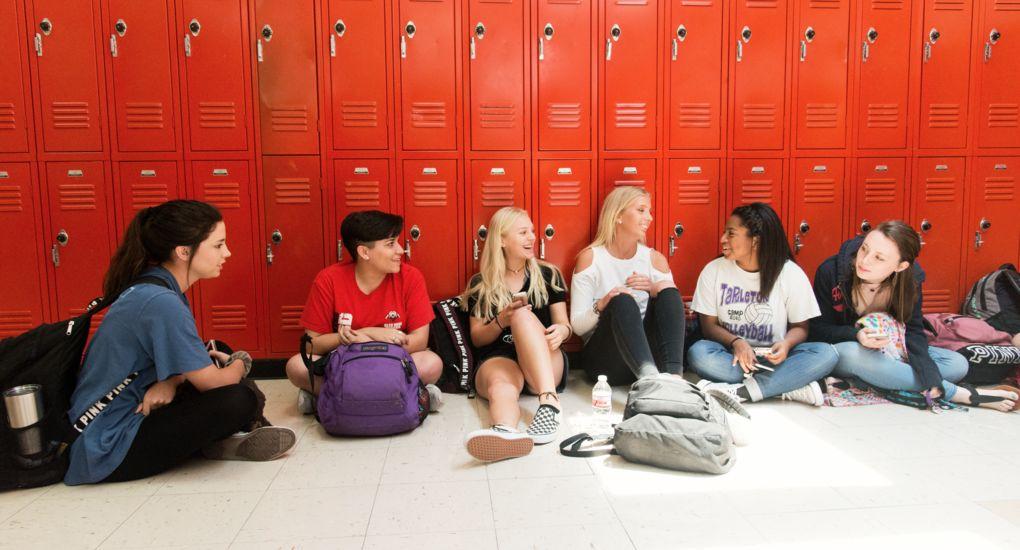 2-Girls-Lockers-Glen-Rose-USA_7853.jpg