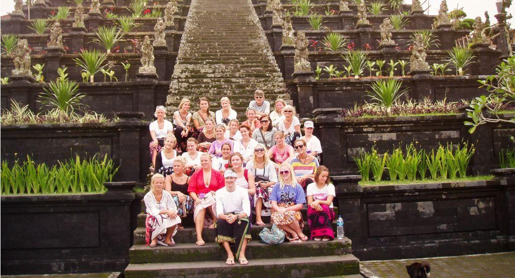 1-oyatur_temple-Bali.jpg
