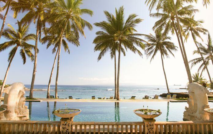1-Resort-Hotel-Pool-Beach-Bali-AdobeStock_188853.jpg