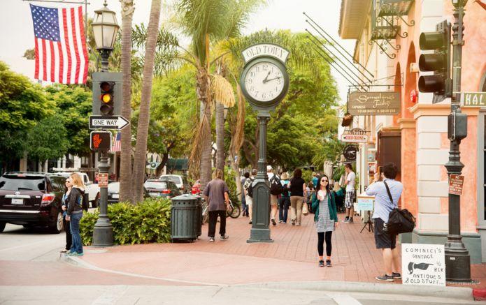 3_Santa Barbara_State_Street_7145.jpg