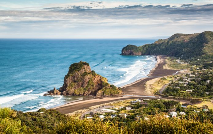 8_Piha_Beach_Lion_Rock_AdobeStock_62454622.jpg