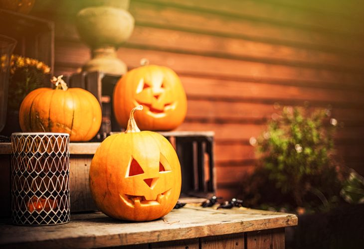 8_iStock_27473898_Helloween_Pumpkins (2).jpg