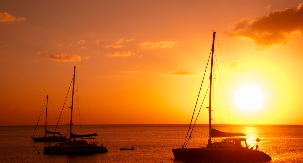 8_iStock_17716169_Sunset_Sailboat.jpg