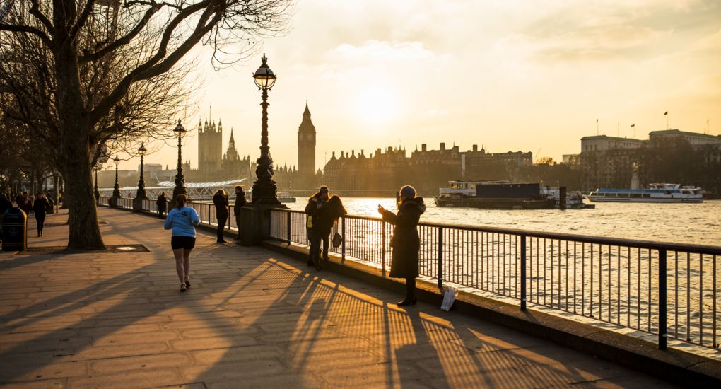 8_London_Thames_Sunset_Jogging.jpg