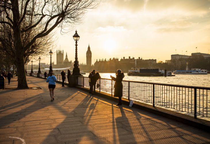 8_London_Thames_Sunset_Jogging.jpg